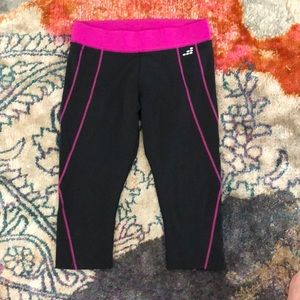 BCG Capri Workout Pants ⭐️ Size M